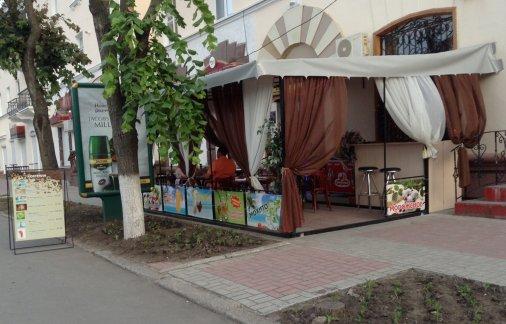 """Летняя площадка кафе """"Віденська кава"""": летние коктейли"""