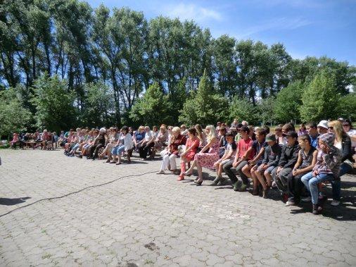 На «Хуторі Надія» у День захисту дітей виступили викладачі музшкіл