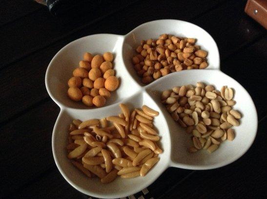 Четыре вида вкусных орешков