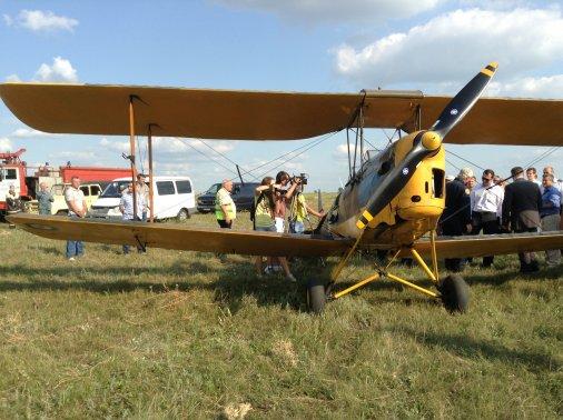 Ретро-літаки зупинилися на дозаправку у Кіровограді