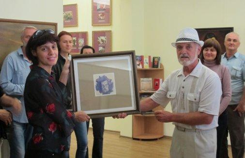 Анатолій Горбенко передав твори С. Божія до фондів обласного художнього музею