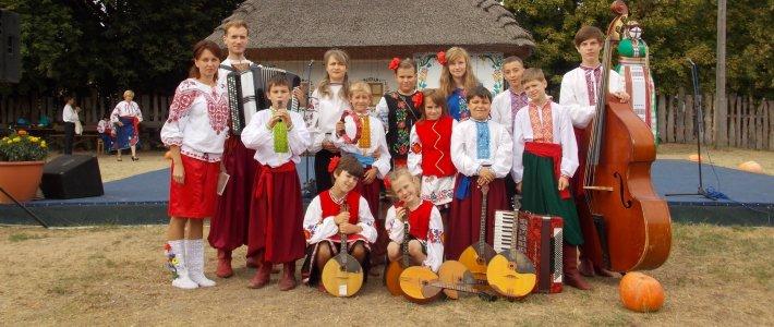 Кіровоградські юні артисти ярмаркували у Сорочинцях