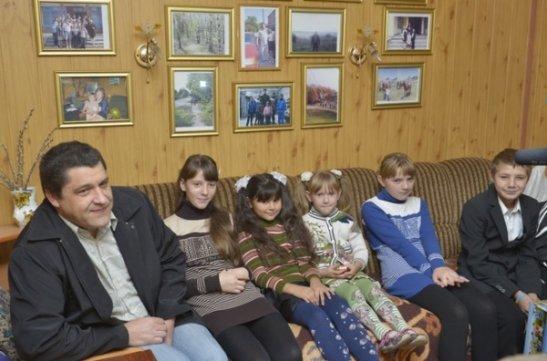 Едуард Нечепоренко та родина