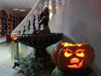 Хэллоуин в центре Драйв