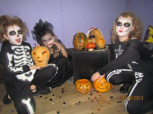 Империя танца Форсайт тоже отметила Хэллоуин