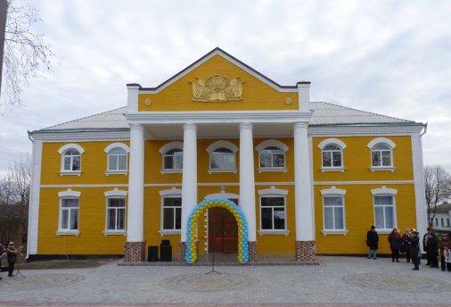 Кіровоградські артисти мають новий майданчик для виступів у селах області
