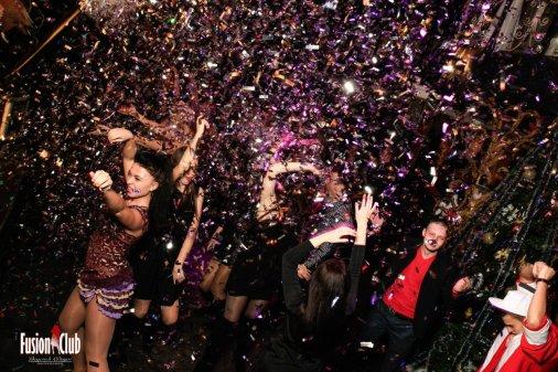 Фотоотчет о зажигательной новогодней вечеринке во Fusion club
