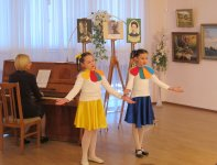 вокальний дует – Вероніка Габелко та Марія Сухонос