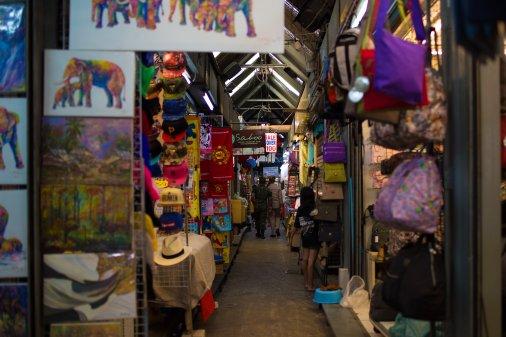 Азиатский рынок: шопинг как безумство