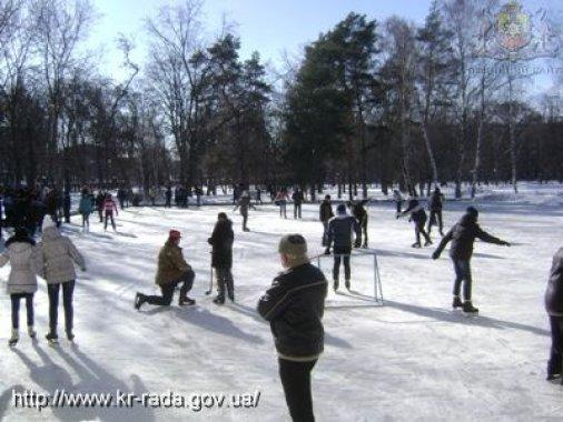 У Ковалівському парку відкрився безкоштовний льодовий майданчик