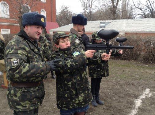 Кировоградские девушки попали в армию на один день