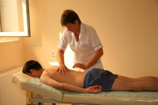 200 діток-інвалідів отримали від СБУ стіл для масажу