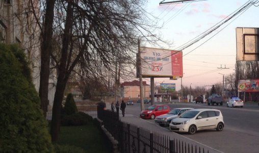 Кировоградом промчались два милицейских броневичка