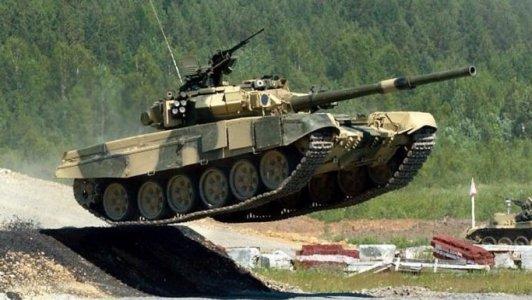 Кіровоградські танкісти та пілоти отримають золоті бонуси за картками
