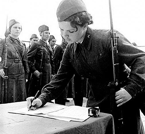Армія - чи жіноча справа?!