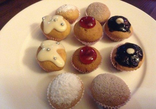 Сладкие мини-кексы как комплимент от шефа