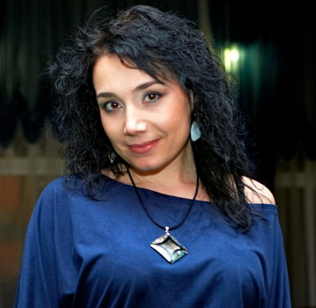 Олена Козачінська
