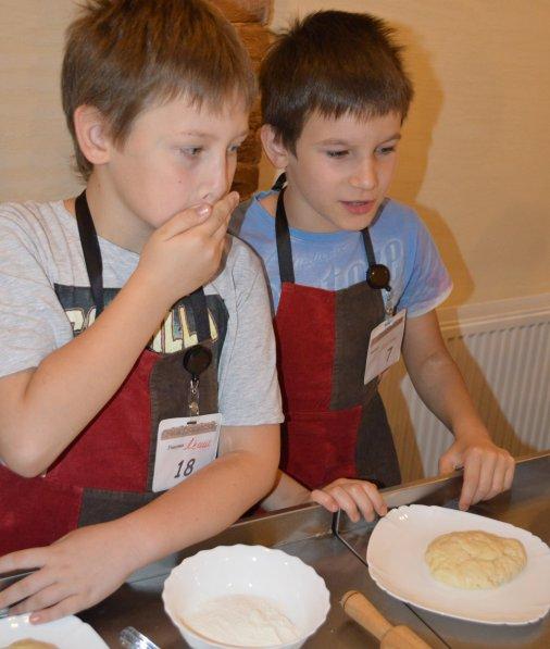 Каравайчки до свята Маковея готували юні кіровоградці