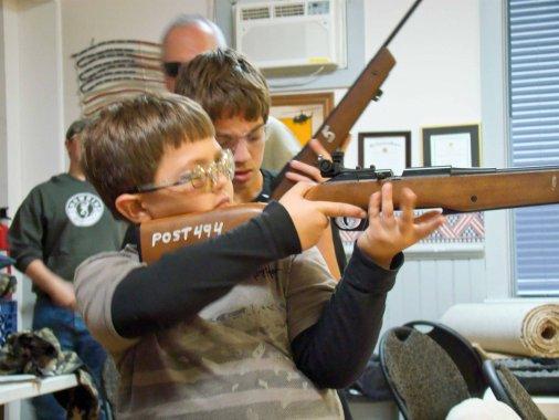 Навчіть дитину стріляти