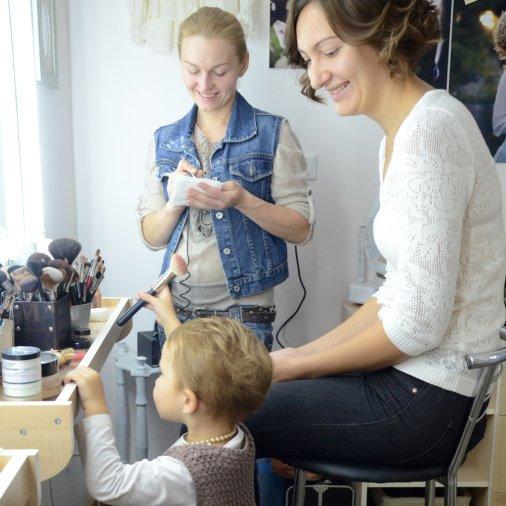 """Леся Гребнева и ее дочь Полина в календаре """"Леди Елисаветграда"""""""