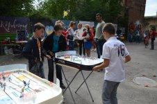 Змагання з хокею на столі