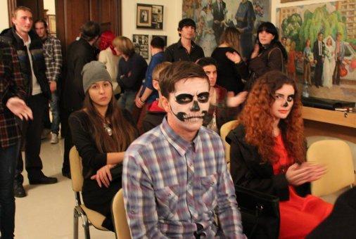 HALLOWEEN fest: страшилки в галерее