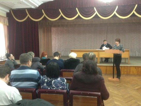 Засідання ради - виступає Анна Заботкіна