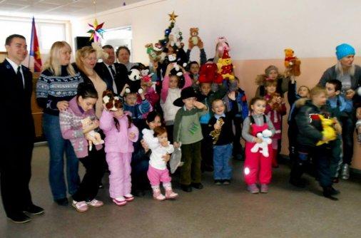Армия Спасения провела праздники для деток