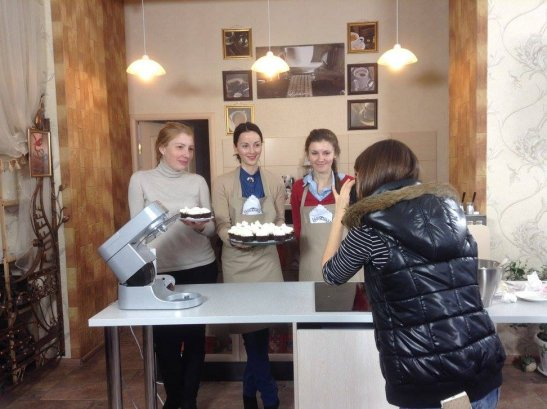 Оля, Галя та Іра - фотографує Катя Гіленко