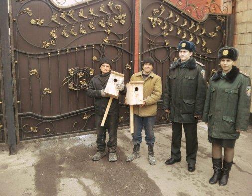 В майстерні Кіровоградської виправної колонії виготовлено шпаківні для Дендропарку