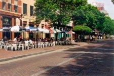 Літні майданчики кафе у Парижі, фото - з сайту http://www.fhwa.dot.gov