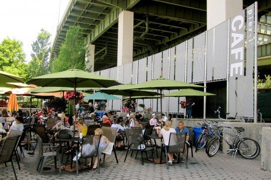 Літнє кафе у Нью-Йорку, фото - з сайту http://getnycd.com