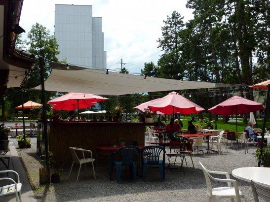 Літнє кафе у Цюриху, фото - з сайту http://scottishgirlinzurich.blogspot.com
