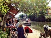 Літнє кафе в Британії, фото - з сайту http://alifecurated.co.uk