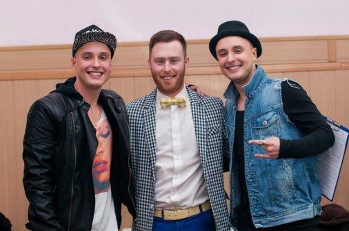 Як дві краплі: У Кіровограді відбулося «Шоу близнюків»