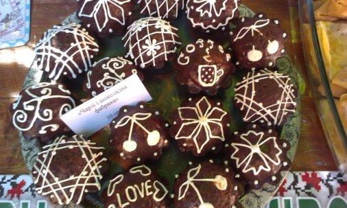 Кулінарна Сотня Кіровоградщини: Фасують борщі, продають печиво!