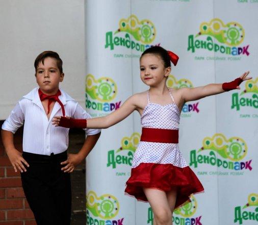 Переможці «Битви танцювальних стилів» розкачали Дендропарк!