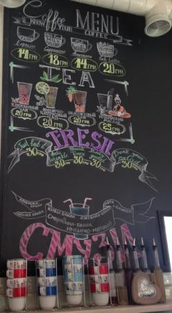 У кафе - симпатичний дизайн