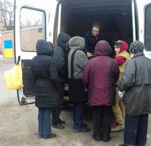 """Форум """"Милосердие"""" кормит голодных бездомных людей"""