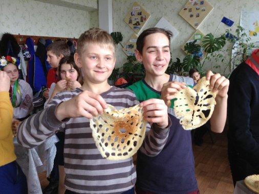Млинці та вареники куштували у Новоукраїнці