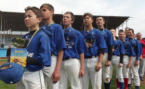 Впевнена перемога юних кіровоградських бейсболістів