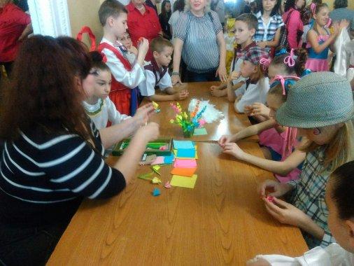 Юні артисти привітали дітей зі святом
