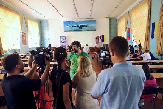 Дмитро Тяжлова дає інтерв'ю