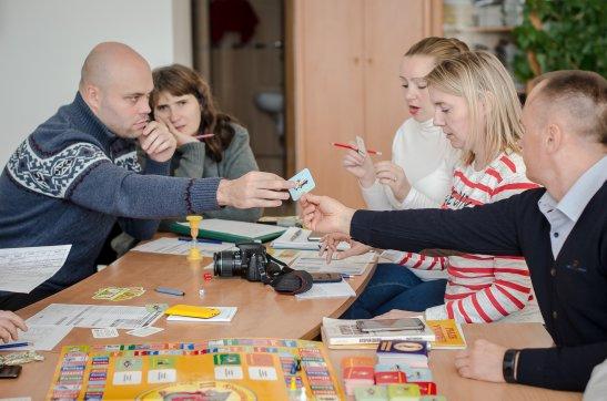 Ведучі та учасники гри Cashflow, автор фото - Олена Карпенко