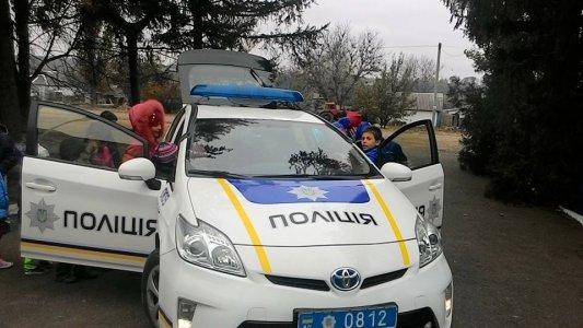 Нова патрульна поліція приїхала до школярів у Новоєгорівку