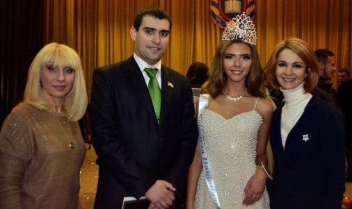 «Королеві Національного» 10 років: як починалось шоу