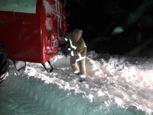 Три десяти разів за добу рятувальники допомагали людям на автошляхах
