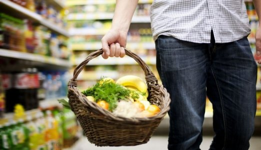 Найбільше у маркетах продають алкоголю, м'яса та цигарок
