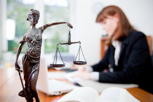 Безоплатна правова допомога: Куди звертатися?