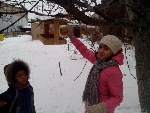 Допоможемо зимуючим птахам!